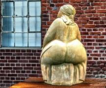 woman-1539087_1920